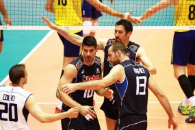 It�lia vence tie-break e Brasil perde 1� na Liga de V�lei