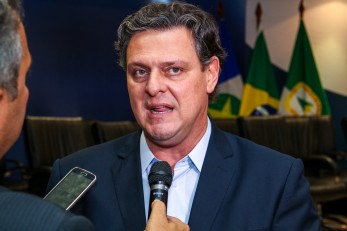 �� compromisso do Governo do Estado terminar a obra do VLT�
